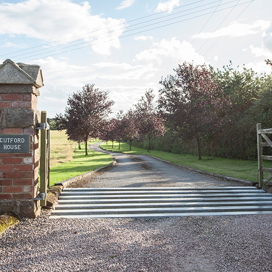 gate-to-cutford-house